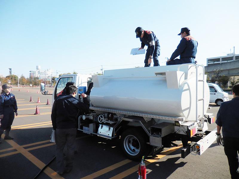 道内ローリー14に不備 ニュースなう 北海道石油新聞社